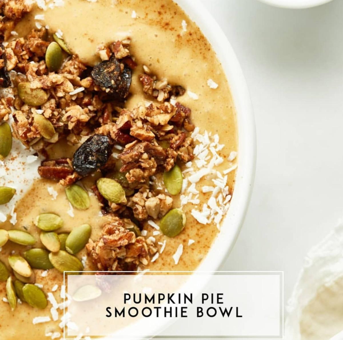 Vegan Pumpkin Pie Smoothie Bowl